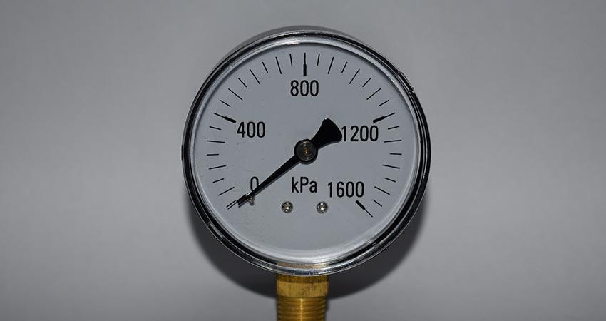 SS steel casing bottom entry gauge